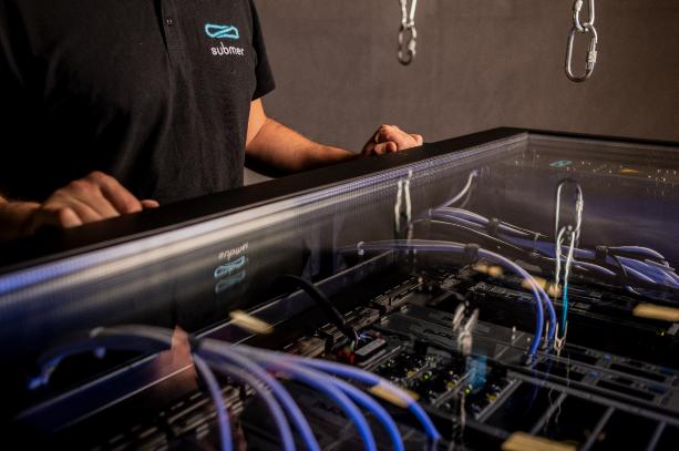 Submer liquid cooling immersion data center